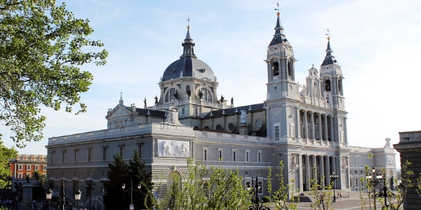 Madrid restablece el precepto dominical